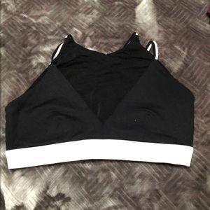 Athletic sports bra